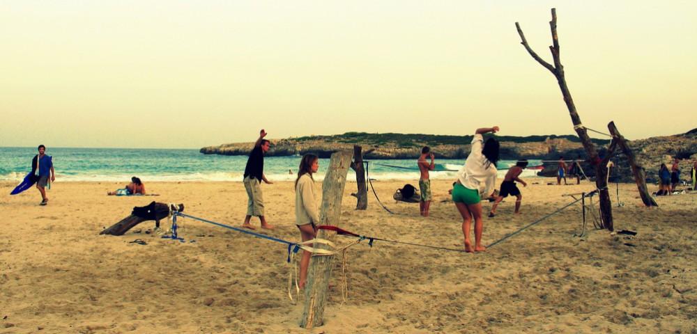 Balansa slackline – calla Barques slackline, Mallorca