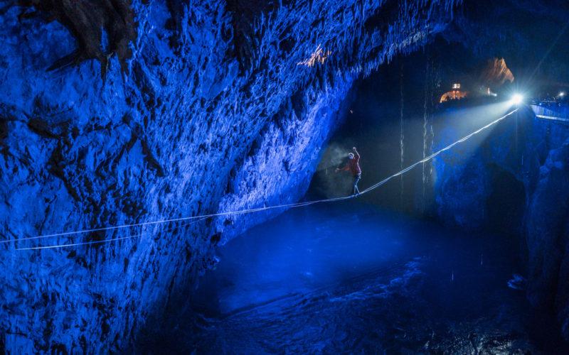 Balansa Slackline – Postojna cave highline